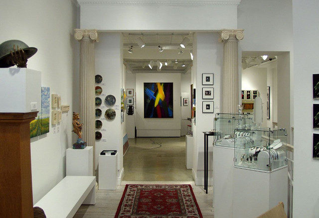 5 GUIDELINES FOR THE FIRST-TIME ART BUYER ON A BUDGET